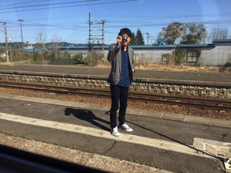 2017年5月4日撮影。内陸鉄道の写真を撮影する赤沼俊幸氏