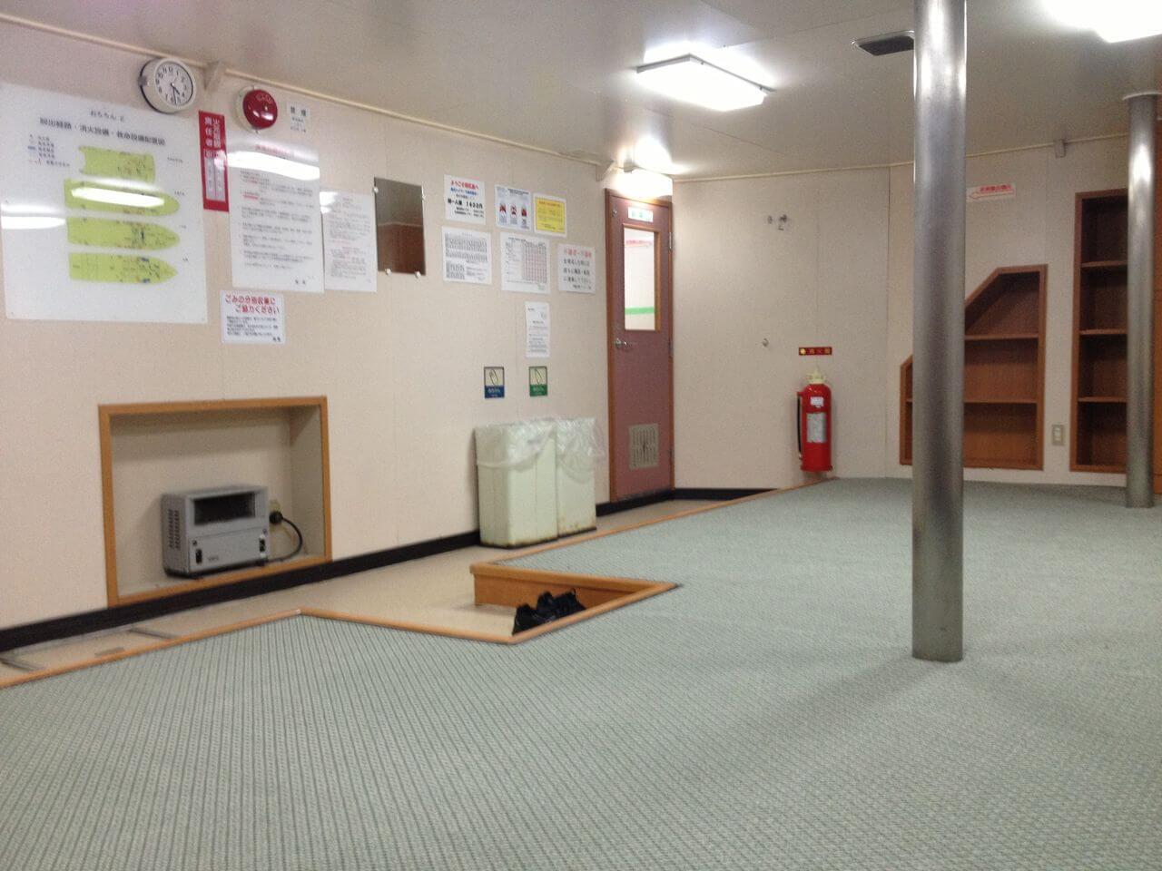 地下2Fの二等部屋