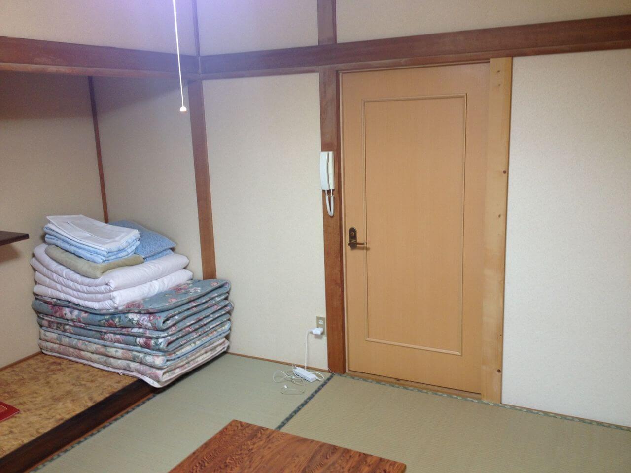 民宿栄丸部屋内