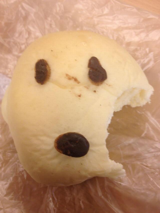 左頬を食べられたWAONパン