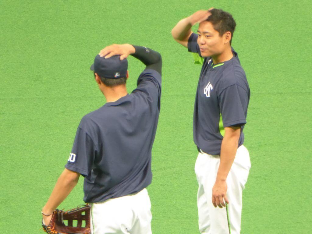 この日は出場がなかったキャッチャーの中村悠平。髪のことが気になる?