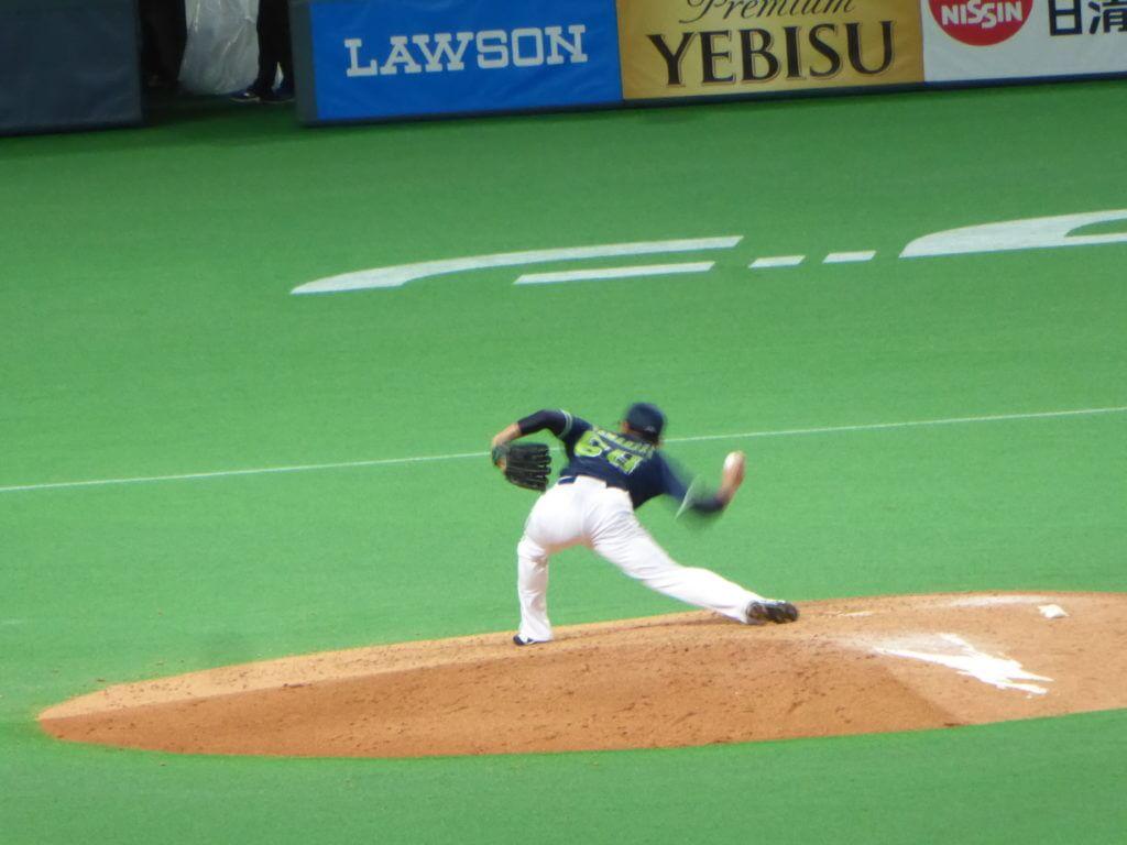 アンダースローが素晴らしい中継ぎの山中浩史投手