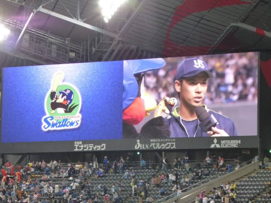 勝利投手の小川泰弘。ヤクルトのエースだ!